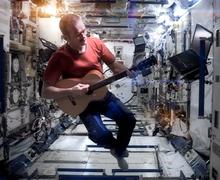 Chris_Hadfield_Space_Oddity